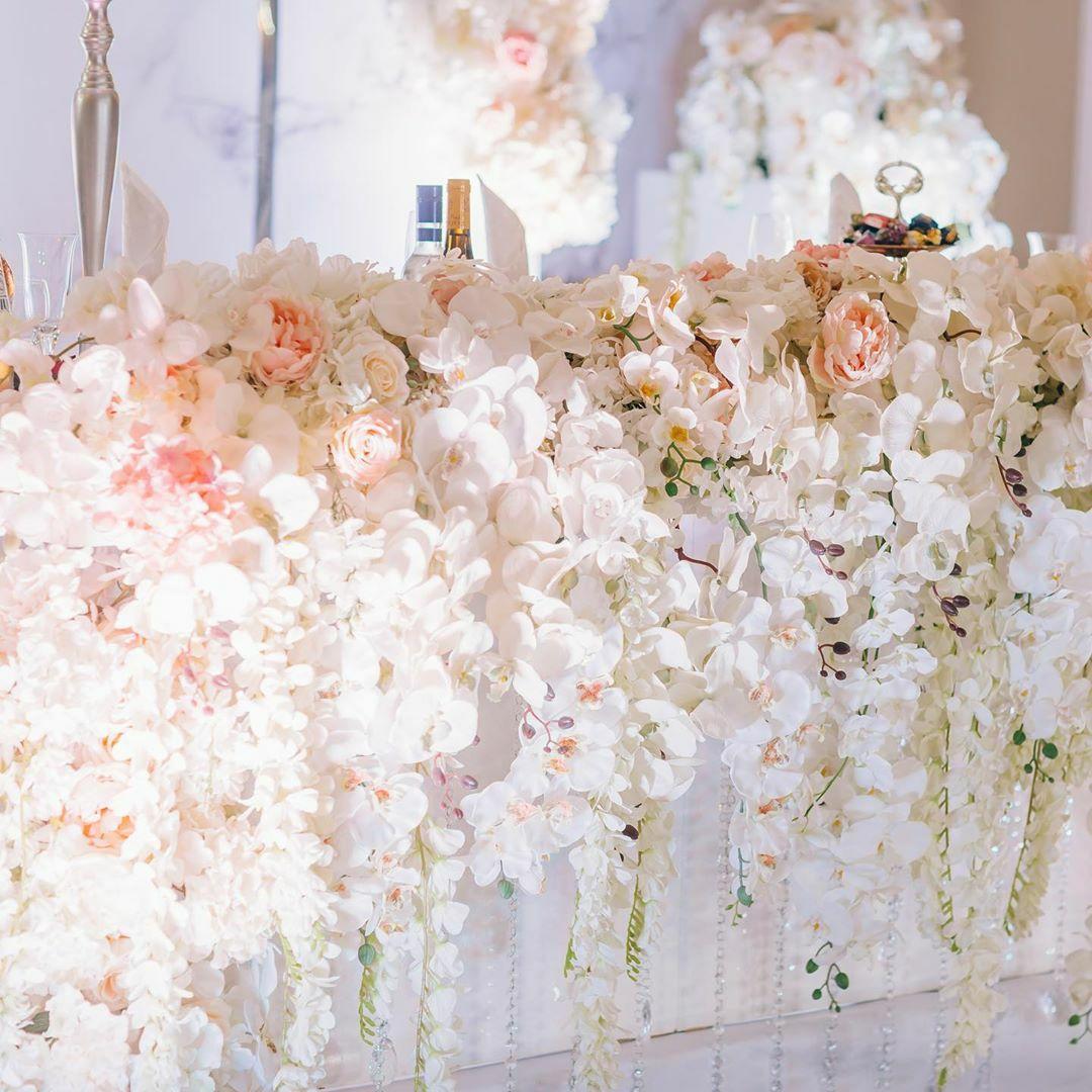 decor-iz-zuvuh-cvetov-na-svadbu
