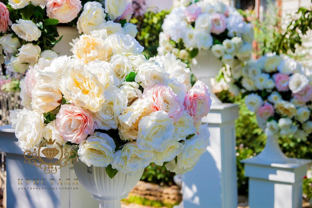 cvetu-oformlenie-svadba