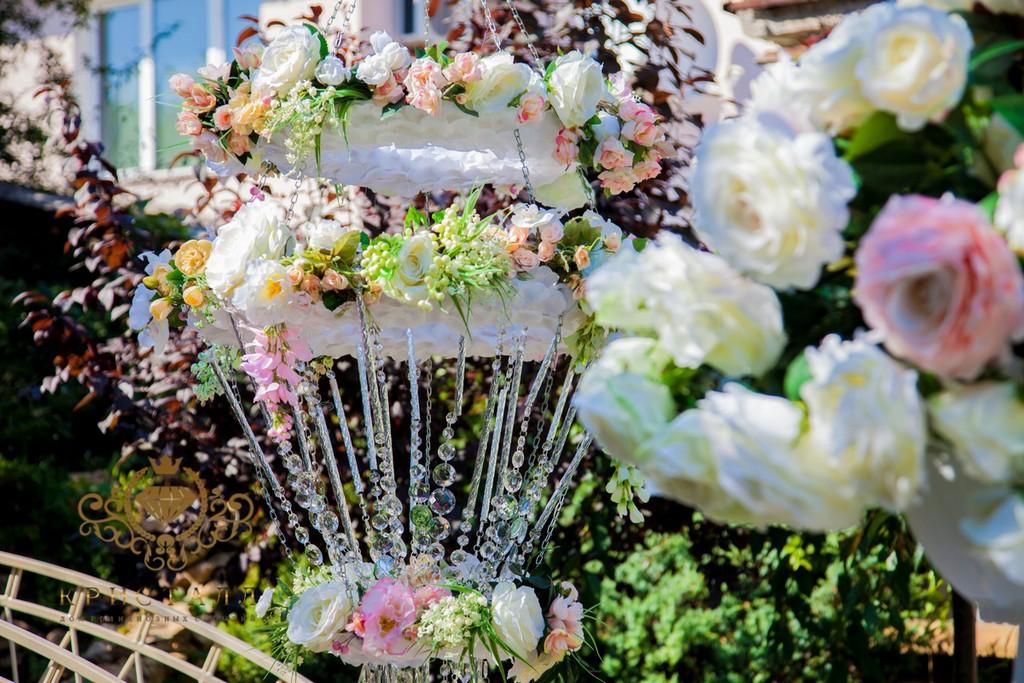 cvetu-rozu-na-svadbu