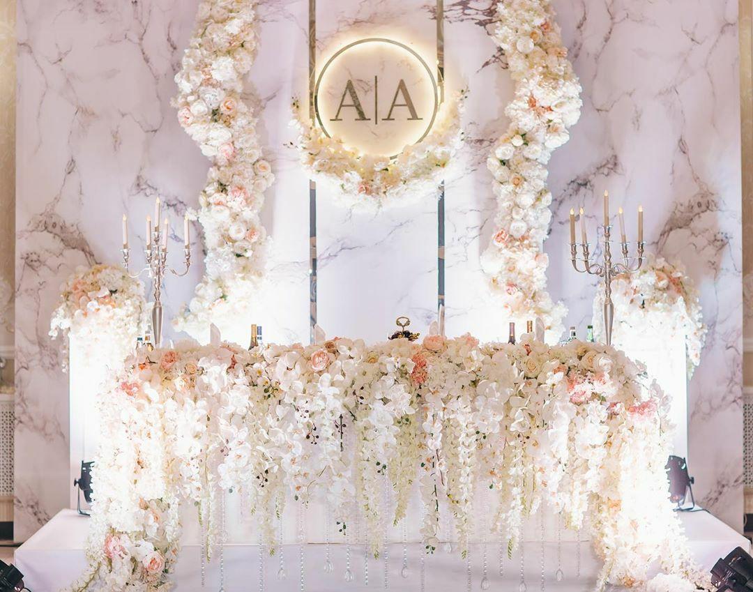 svadba-v-zolotom-cvete+mramor